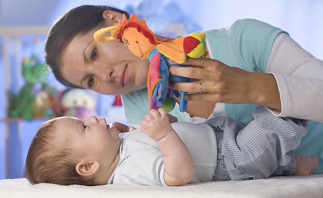 C mo estimular a un beb de 3 meses mar l pez buades - Estimulacion bebe 3 meses ...